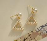 [W] THEDARUM Pearl Figure Earrings
