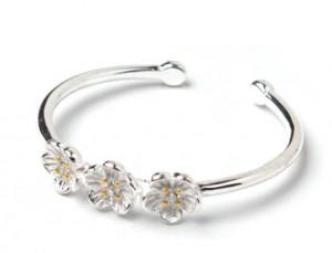 [R] ENGBROX mini triple flower ring